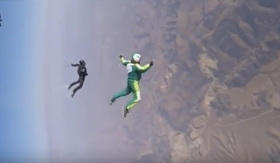 【動画】命知らずの超危険なスカイダイビングチャレンジ5選!パラシュートなしや嵐の中でのスカイダイビングなど